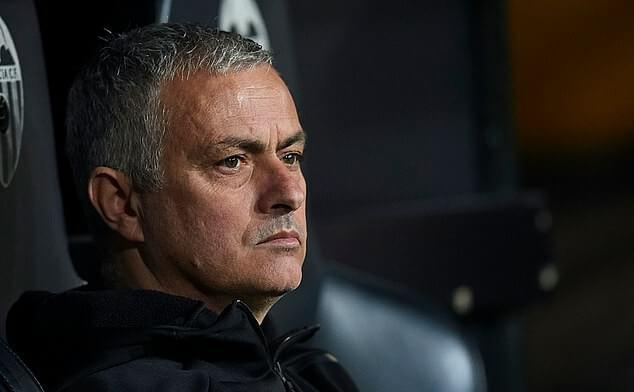 Akhirnya, Mourinho didepak Manchester United