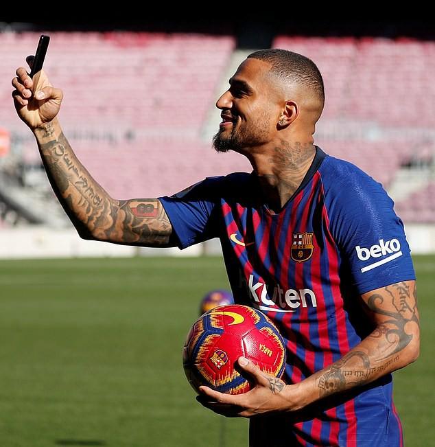 Resmi gabung Barcelona, Boateng nantikan debut perdananya