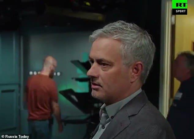 Mourinho beri saran hadapi Barcelona
